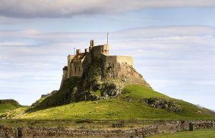 tp4 holy island 800px-LindisfarneCastleHolyIsland